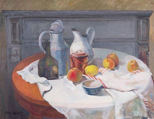 Stilleven met kannen, kruiken appels en citroenen