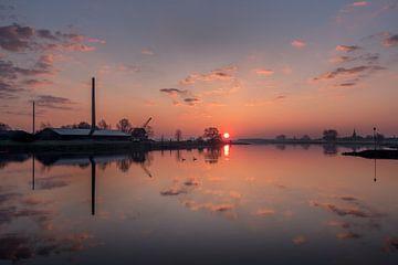 Rivier de Lek bij zonsopgang van Moetwil en van Dijk - Fotografie