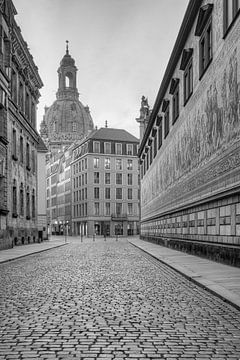 Fürstenzug in Dresden schwarz-weiß von Michael Valjak