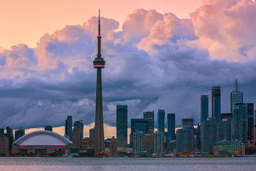 Wolken über der Skyline von Toronto von Henk Meijer Photography