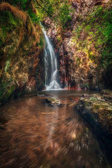 Waterval in Frankrijk van Rob van der Teen