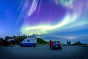 Kamperen onder het magische noorderlicht, Lofoten, Noorwegen van Madan Raj Rajagopal