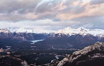 Minnewanka-See vom Sulpher Mountain von Graham Forrester
