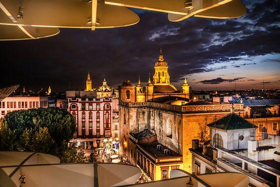 De avond valt over Sevilla