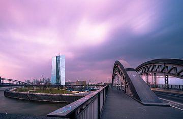 Die Brücke zur EZB von Christian Klös