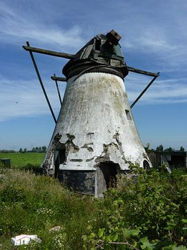 Verlaten molen von Piet van Winkel