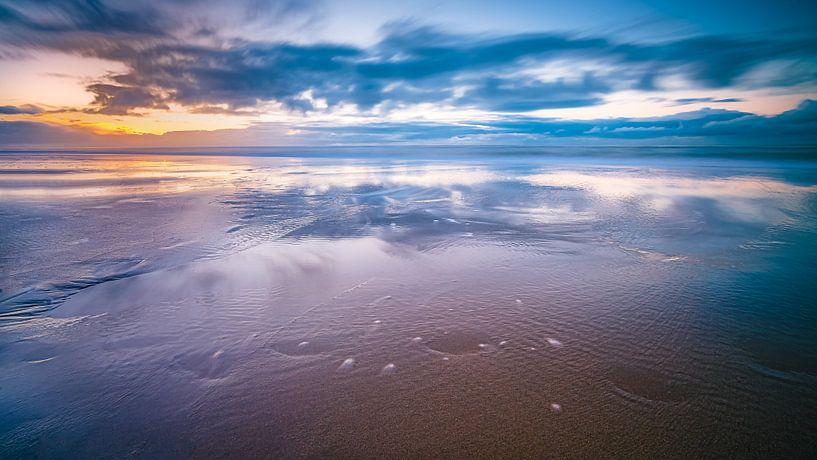 Zonsondergang boven de Noordzee van Fotografiecor .nl