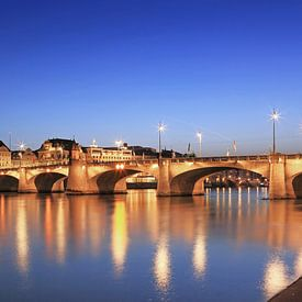 """Basel Skyline am Rhein mit """"Mittlerer Brücke"""" von Frank Herrmann"""