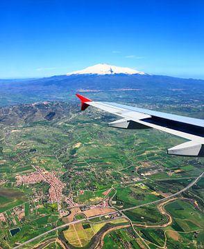 Landeanflug auf Catania von Gisela Scheffbuch