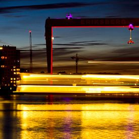 Göteborg Harbour - Sailing By van Colin van der Bel