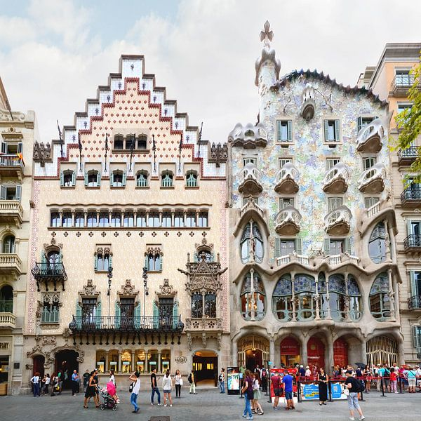 Barcelona   Casa Batllo by Antoni Gaudi von Panorama Streetline