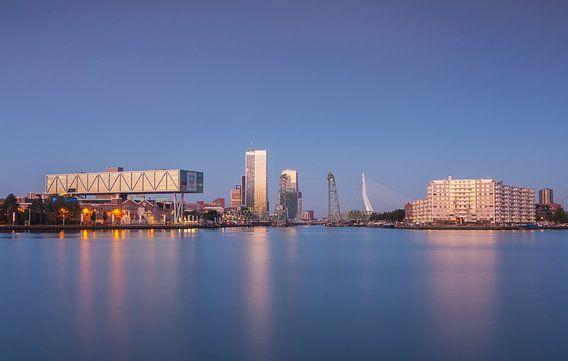 Rotterdam blue morning van Ilya Korzelius