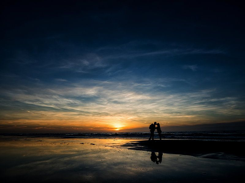 Lovers at sunset van Lex Schulte