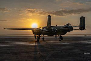 Een middelzware bommenwerper uit de Tweede Wereldoorlog, de North American B-25 Mitchell, gefotograf