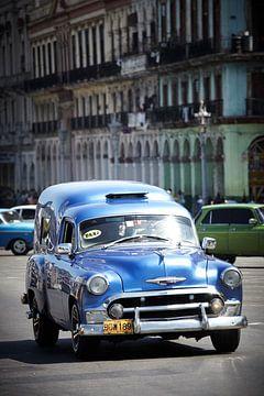 Kubanisches Oldtimer-Taxi. von Karel Ham