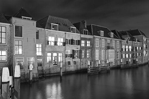 Nachtfoto oude panden Dordrecht van