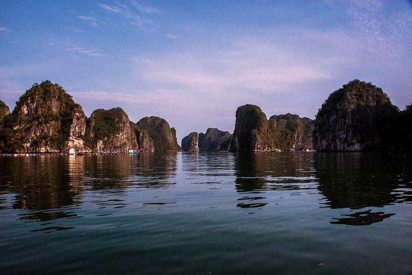 Eilanden in Vietnam van Godelieve Luijk