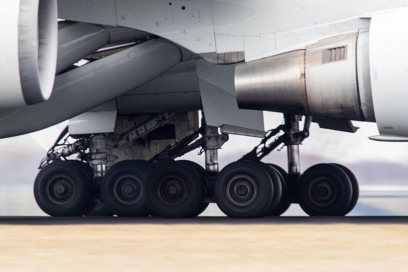Wheels on the tarmac van Nildo Scoop