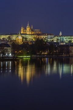 Prager Burg und Karlsbrücke am Abend - Prag, Tschechische Republik - 14 von Tux Photography