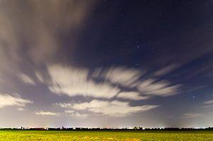 Traveling clouds van Jeffrey de Graaf