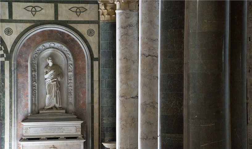 Pilaren in Italiaanse kerk von Tammo Strijker