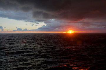 Zonsondergang op de Middellandse Zee van Willem Holle WHOriginal Fotografie