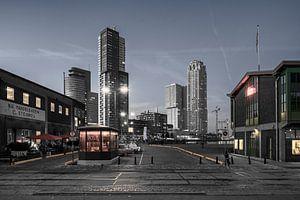 Rotterdam tijdens de schemering