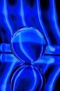 Blauwe Glazen Bol van Wilma Wijnen