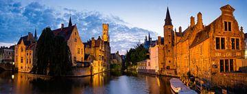 Het Panorama van de Rozenhoedkaai in Brugge van