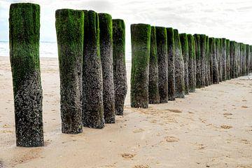 Golfbreker aan de zeeuwse noordzee kust. Wout Kok One2expose van Wout Kok