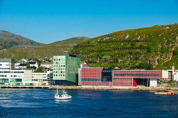 View to the city Hammerfest in Norway van Rico Ködder