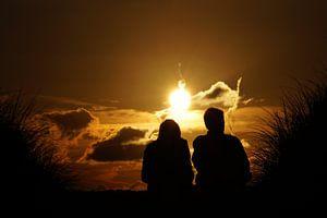 stelletje voor een zonsondergang