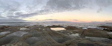 Felsen mit Sonnenuntergang in Australien von Ingrid Meuleman