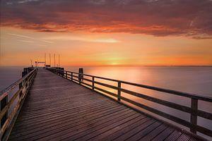Sommerliche Ostsee und Seebrücke von Scharbeutz