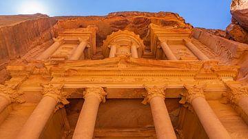 The Treasury in het oude Petra, Jordanië van Jessica Lokker