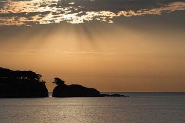 Zonsopgang bij Feliu de Guixols, Costa Brava. van Rens Kromhout