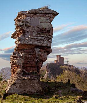 Blick auf die Burg im Pfälzerwald von Christian Klös