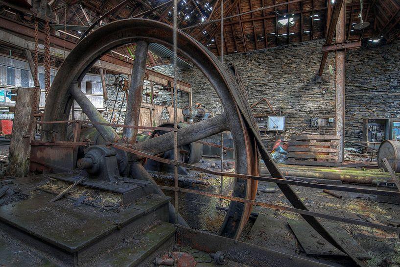 Steel factory van Truus Nijland