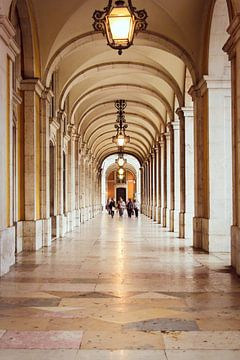 Een prachtig doorkijkje in Lissabon von Petra Brouwer