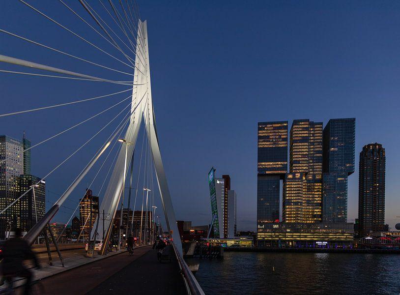 Erasmusbrug & De Rotterdam van Eddie Meijer
