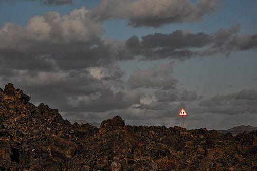 Volcanic road sign van