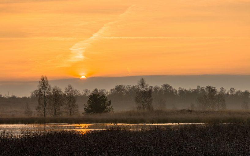 Cloudy Sunrise van William Mevissen