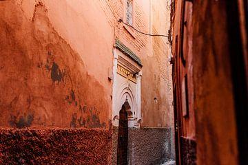 Print 'Kleurrijke straat in Marrakesh' van Yaira Bernabela