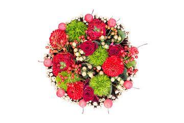 Rozen bloemstuk op witte achtergrond van