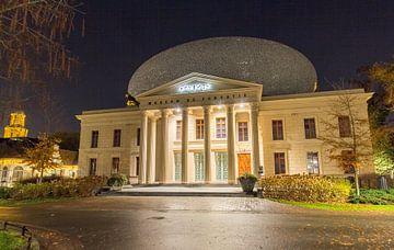 De Fundatie Zwolle Abendfotografie von Marjon Tigchelaar