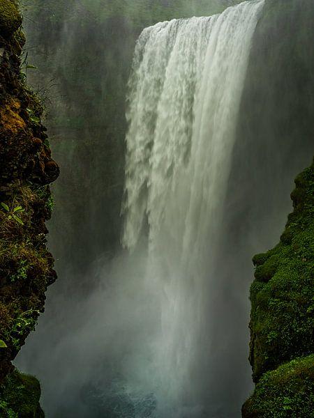 Power of water. van Remco van Adrichem