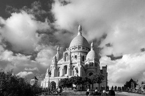 Basilique du Sacré-Coeur (Parijs) met wolkenlucht van Emajeur Fotografie