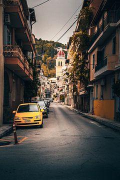 Eine Straße von Zakynthos Stadt. Vielleicht der Bekansteste Blick in dieser Grischichen Stadt auf de von Fotos by Jan Wehnert