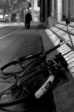 De verlaten fiets van Tim Onwezen