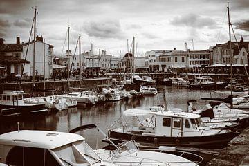 Zicht op de haven van Saint-Martin-de-Ré van Youri Mahieu